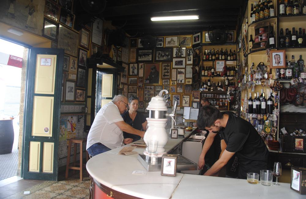 casa-manteca-un-bar-mitico-de-cadiz