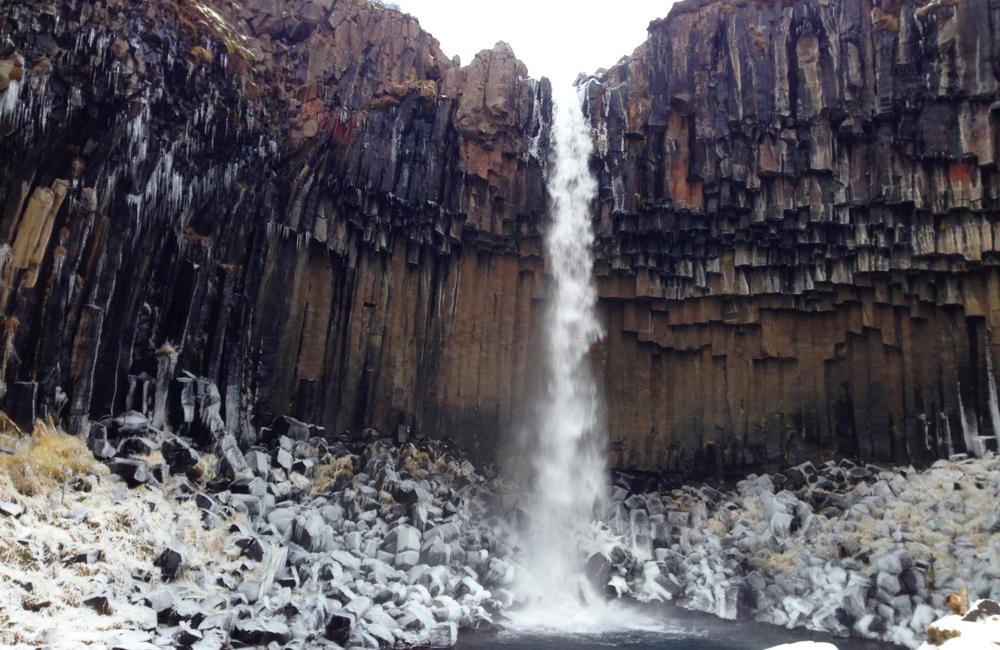 columnas basalto cascada svartifoss islandia