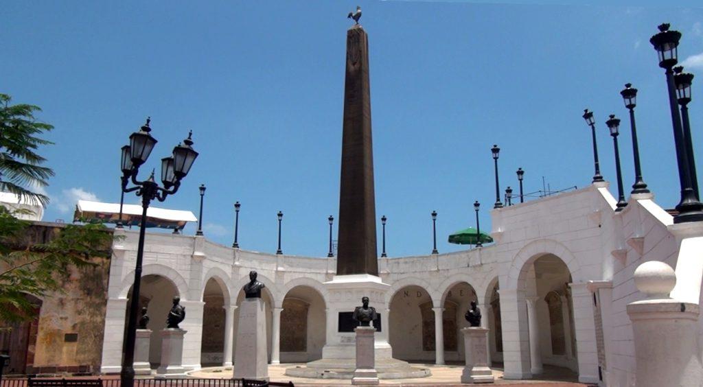 plaza de francia en ciudad de panama a los constructores del canal