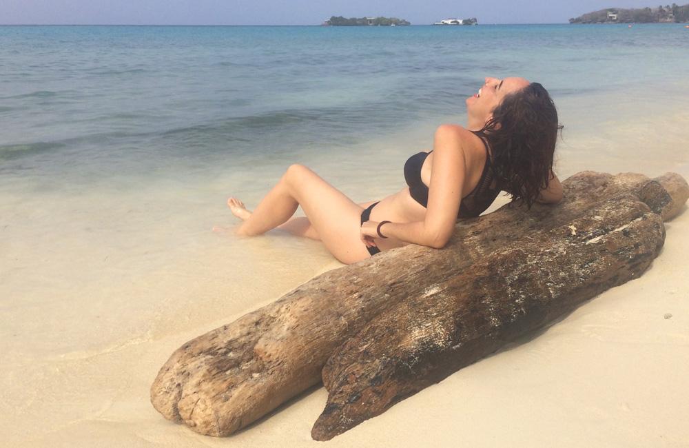 En la playa de Isla grande (Colombia)