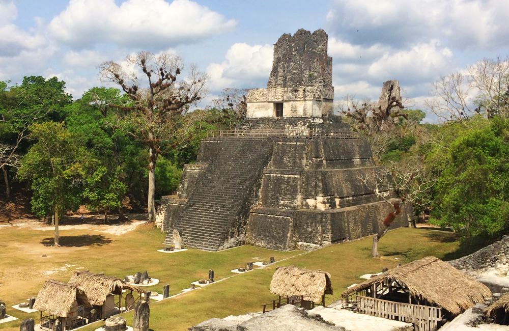 tikal templo serpiente gran plaza