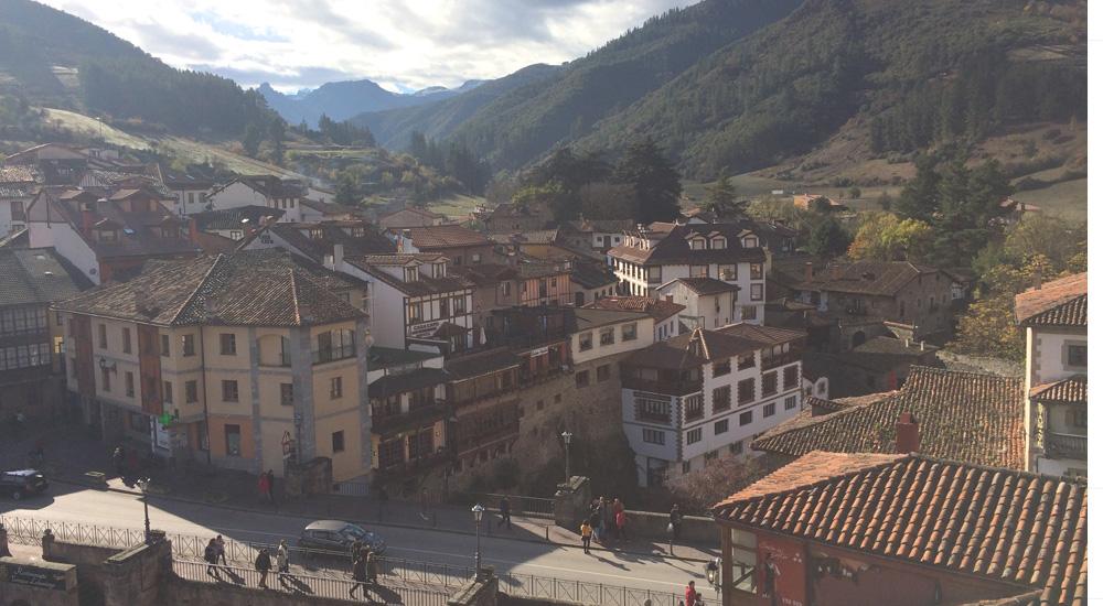 Viaje a España en 2020. Foto del pueblo de Potes, Cantabria, España.
