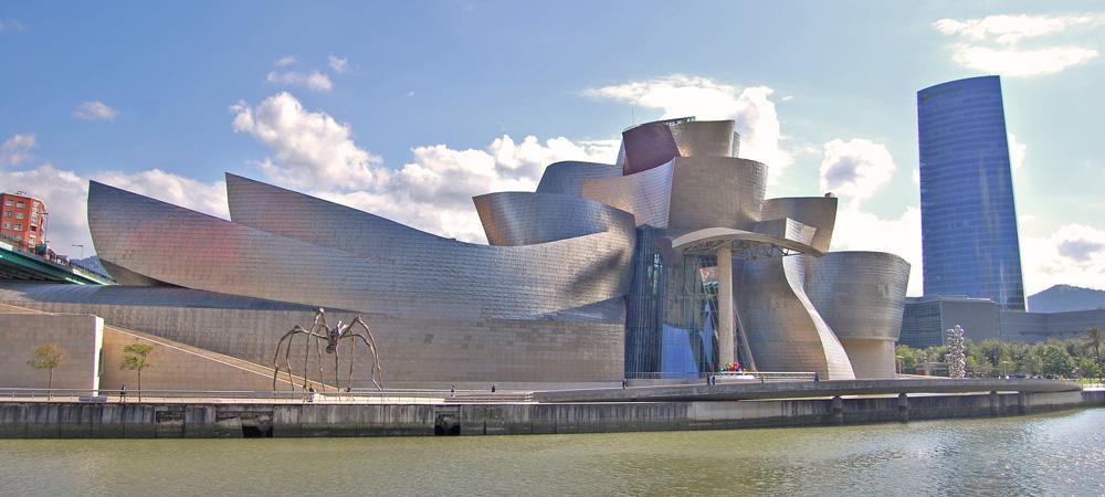 museo guggenheim bilbao. Ruta por Bilbao a pie.