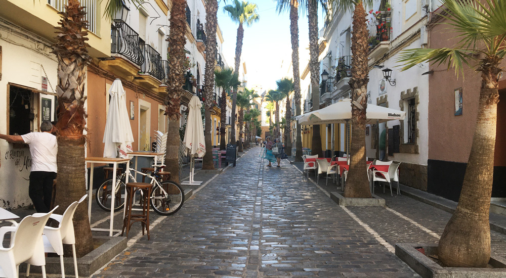 Comer bien en Cádiz capital